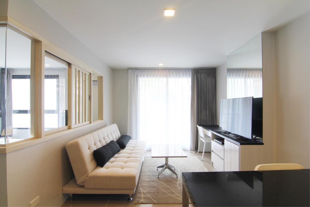 RE/MAX All Star Realty Agency's Mirage Sukhumvit Condo for rent at BTS Asoke  2