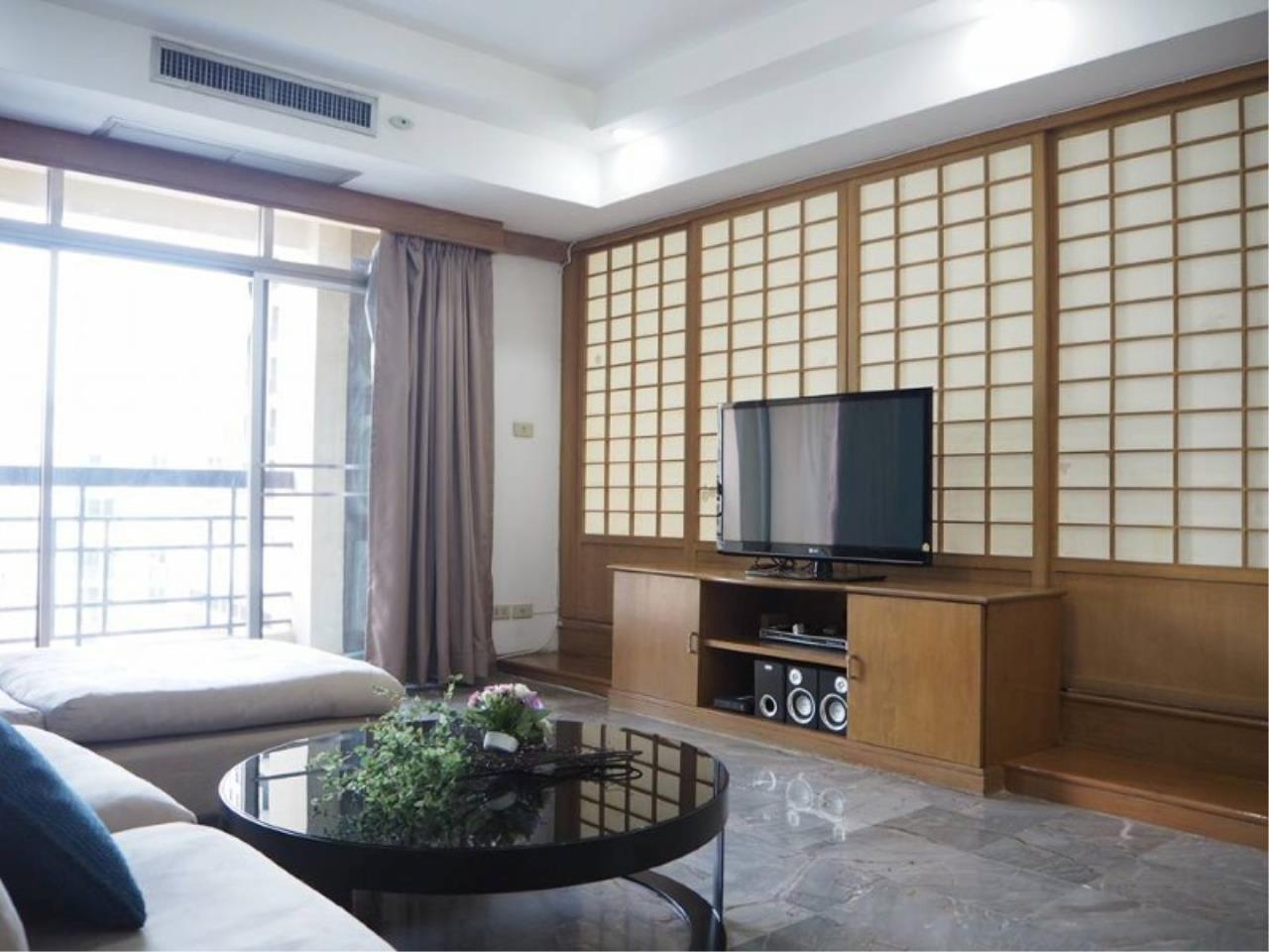 RE/MAX All Star Realty Agency's Royal Castle 4bed 4bath 202sqm for rent (BTS Phrom Phong) 3