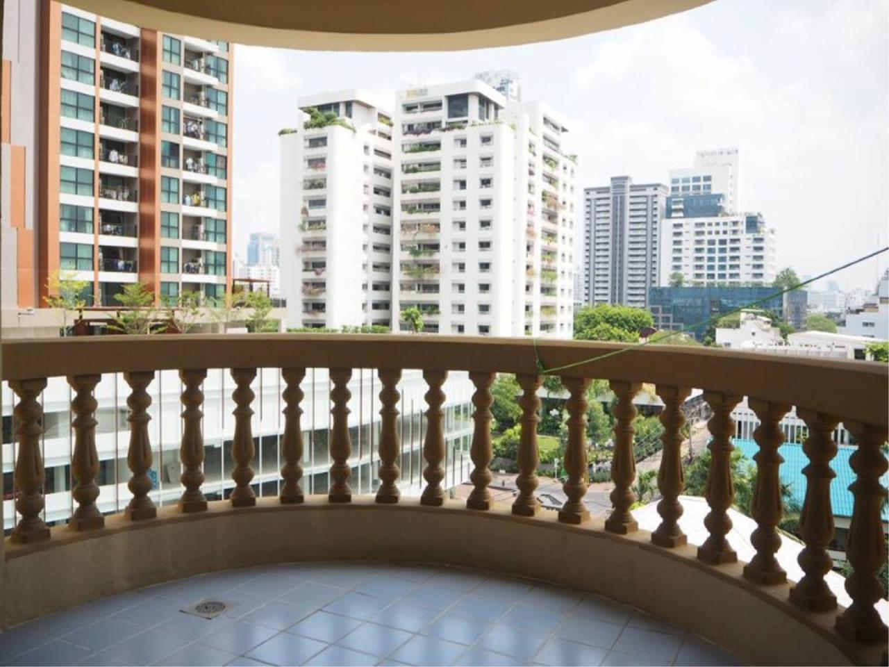RE/MAX All Star Realty Agency's Royal Castle 4bed 4bath 202sqm for rent (BTS Phrom Phong) 6