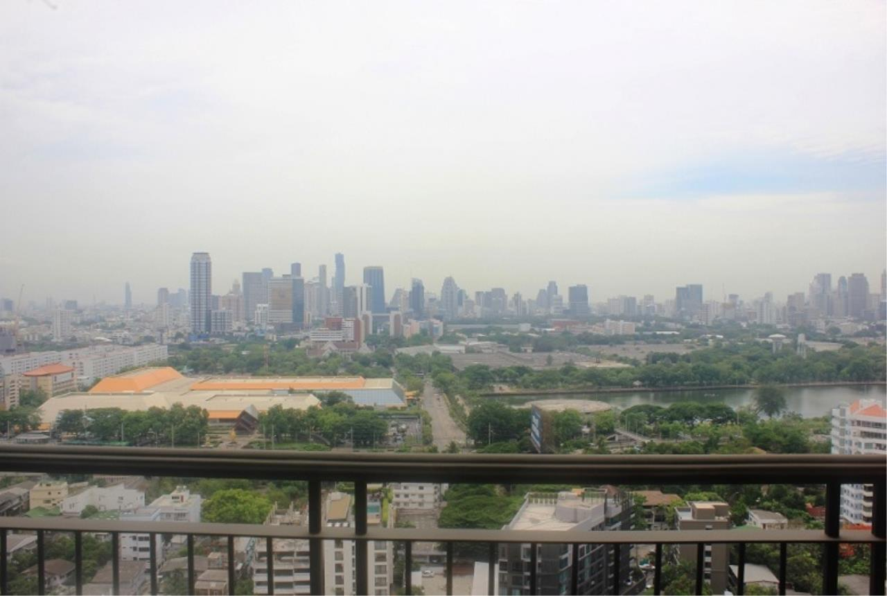 RE/MAX All Star Realty Agency's Aguston Sukhumvit for sale (BTS Phrom Phong) 2