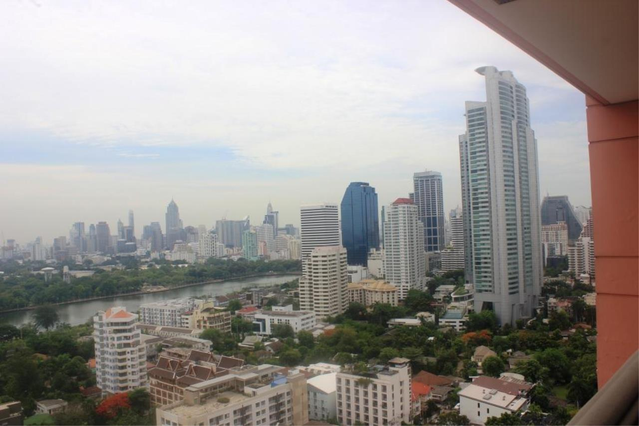 RE/MAX All Star Realty Agency's Aguston Sukhumvit for sale (BTS Phrom Phong) 4