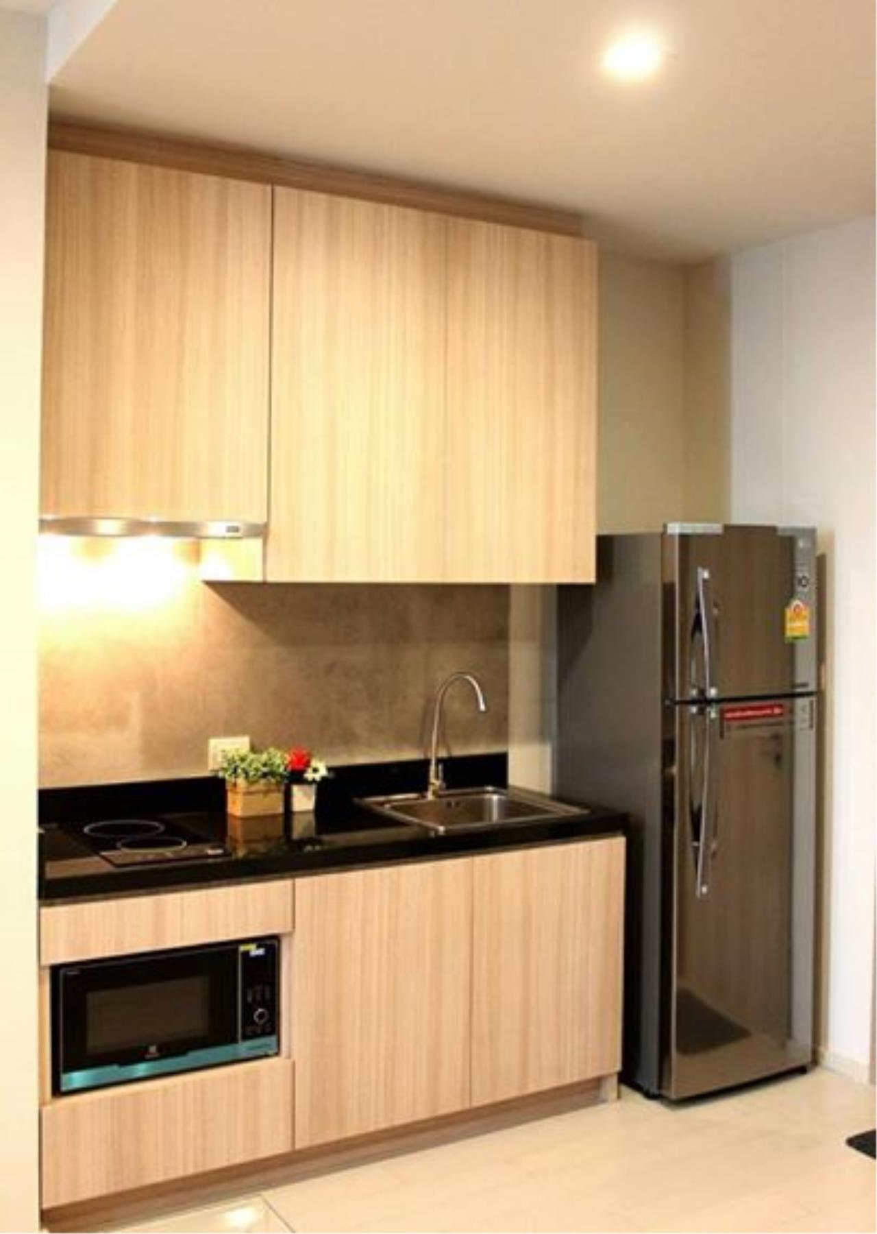 RE/MAX All Star Realty Agency's Noble Ploenchit 1 bedroom, 60 sqm with private lift for RENT 4