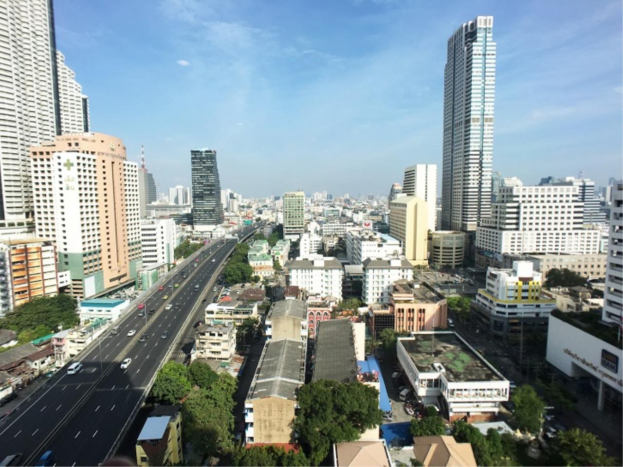 RE/MAX All Star Realty Agency's Noble Revo Silom One bed high floor for rent 3
