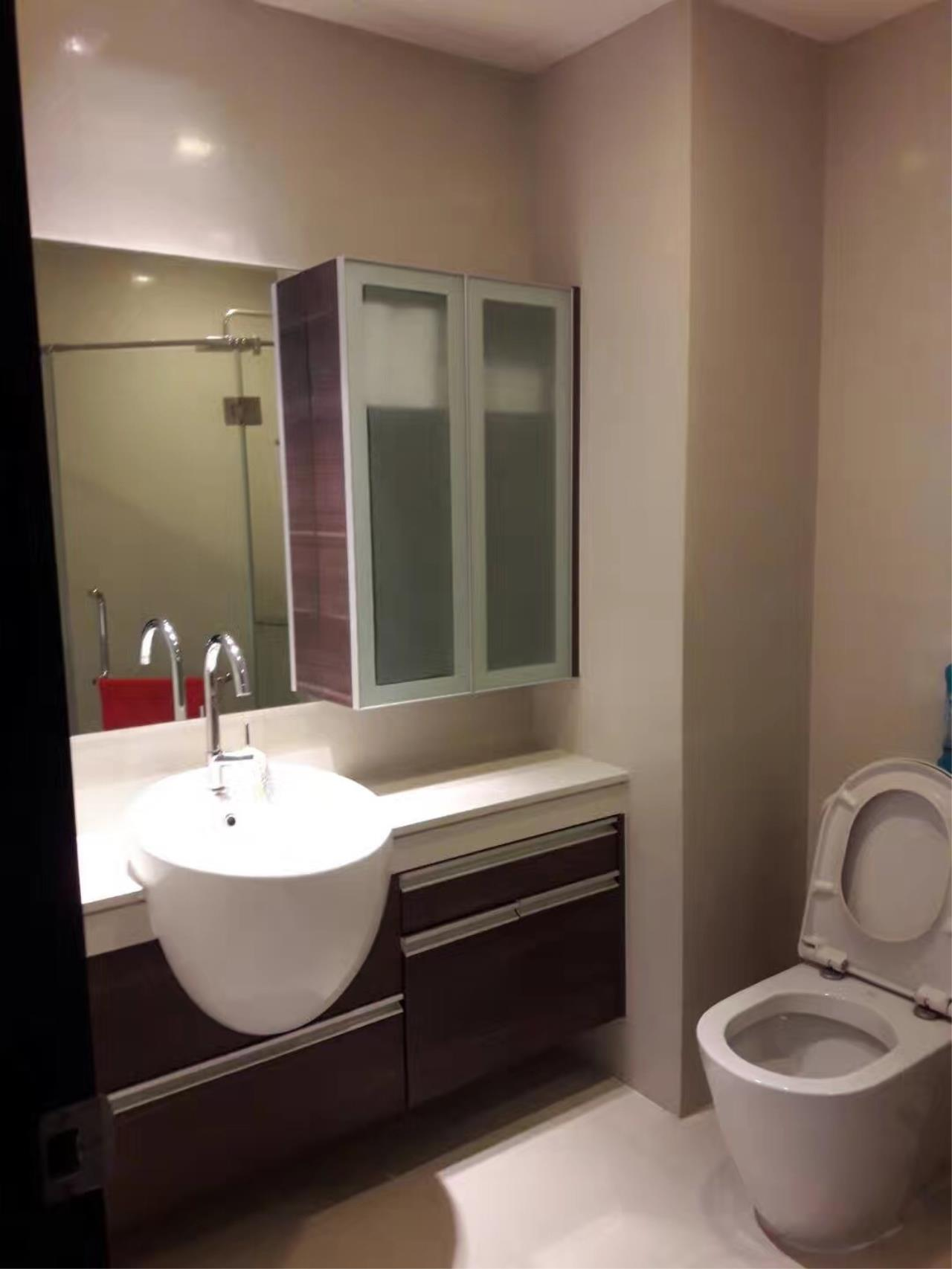 RE/MAX All Star Realty Agency's Skywalk one bedder for rent (BTS Phra Khanong) 6