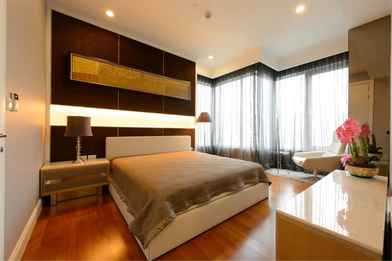 RE/MAX All Star Realty Agency's Lavish Q Langsuan two bed for sale/rent (BTS Chidlom) 4