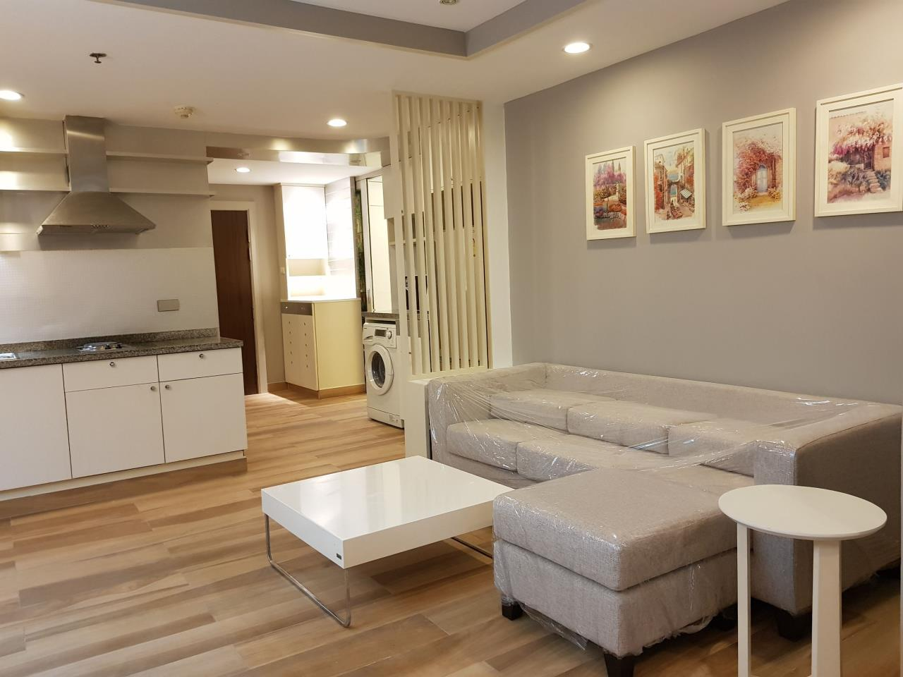 RE/MAX All Star Realty Agency's The Trendy condo two bed for rent (BTS Nana) 2