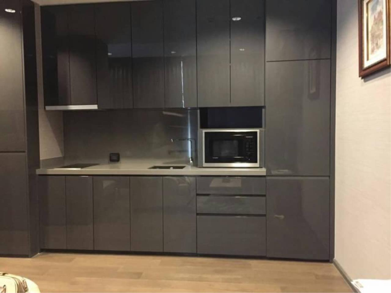 RE/MAX All Star Realty Agency's The Diplomat Sathorn large one bed for sale (BTS Chong Nonsi) 7