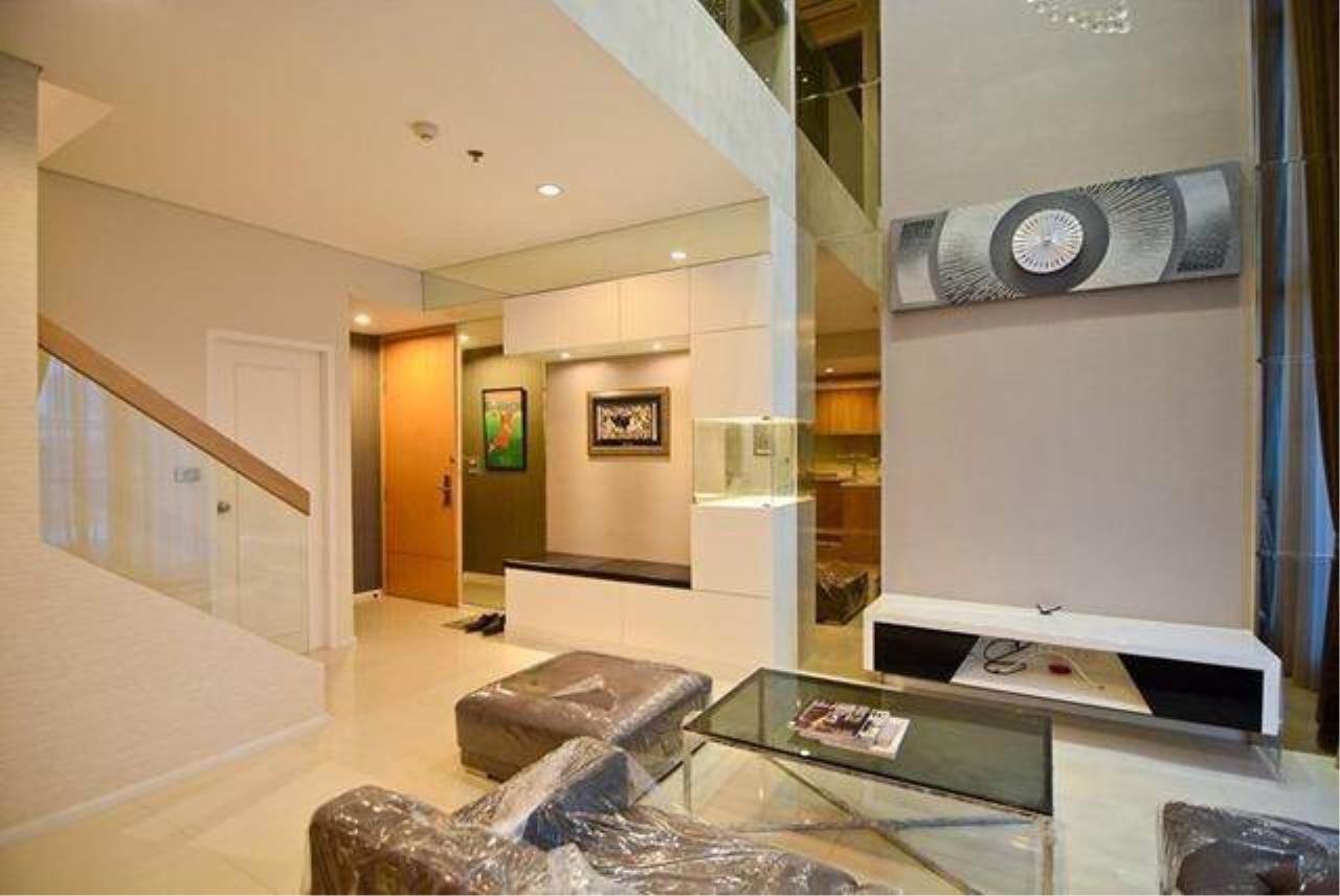 RE/MAX All Star Realty Agency's Villa Asoke for Rent – walk to MRT Petchaburi 3