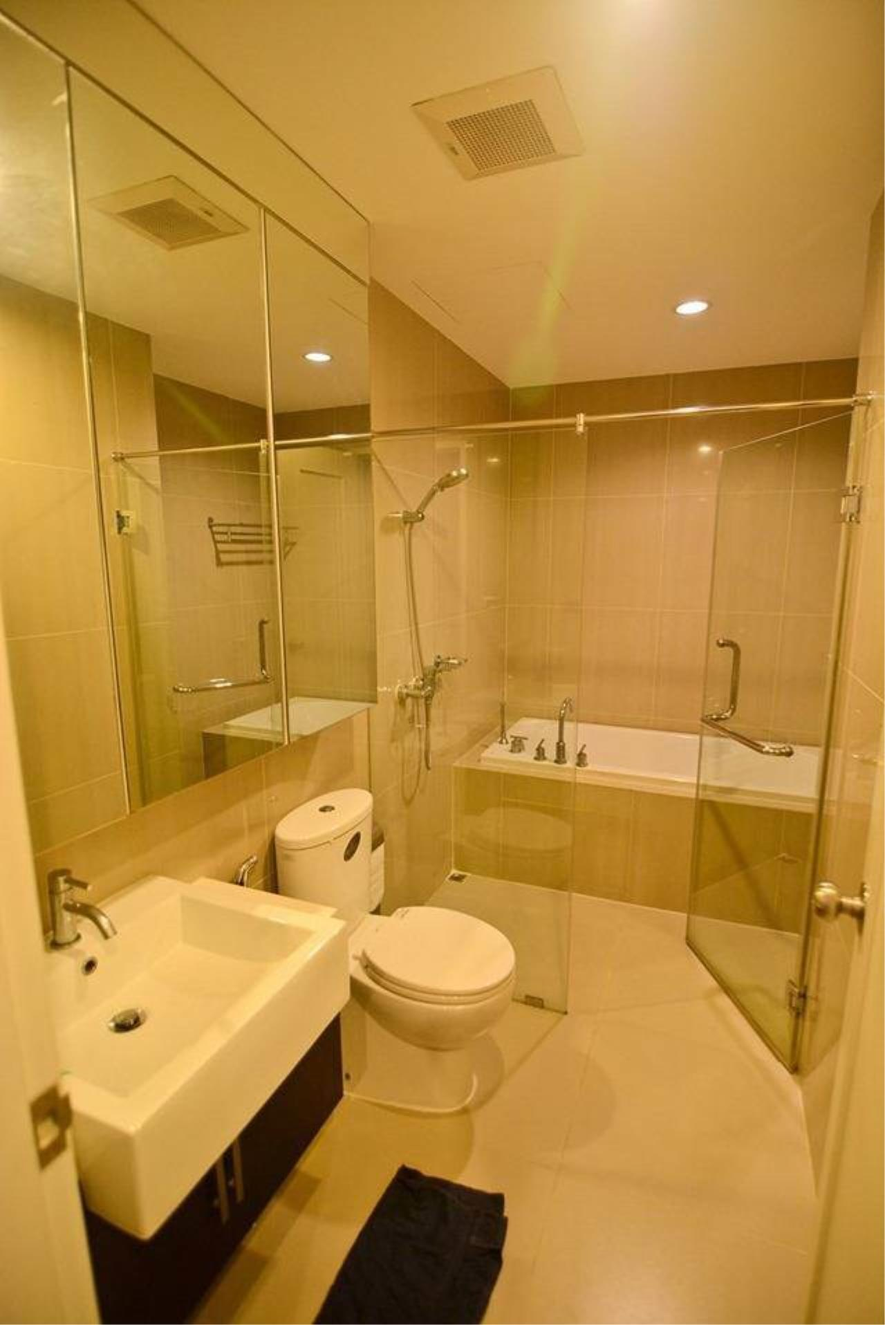 RE/MAX All Star Realty Agency's Villa Asoke for Rent – walk to MRT Petchaburi 7