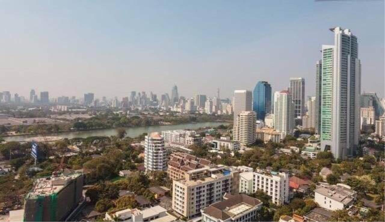 RE/MAX All Star Realty Agency's Aguston Sukhumvit large 3bedder for sale/rent (BTS Phrom Phong) 10