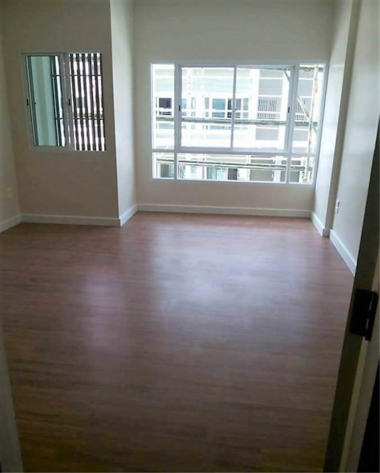 RE/MAX All Star Realty Agency's Townhouse Nalin Avenue 2 (Ramkamhaeng) for sale 3
