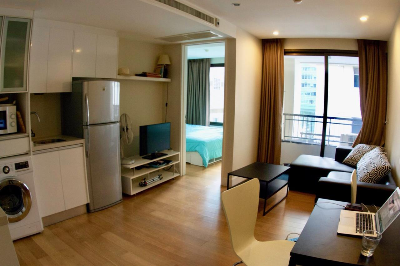 RE/MAX All Star Realty Agency's Collezio Sathorn Pipat prime condo for sale (BTS Chong Nonsi) 1