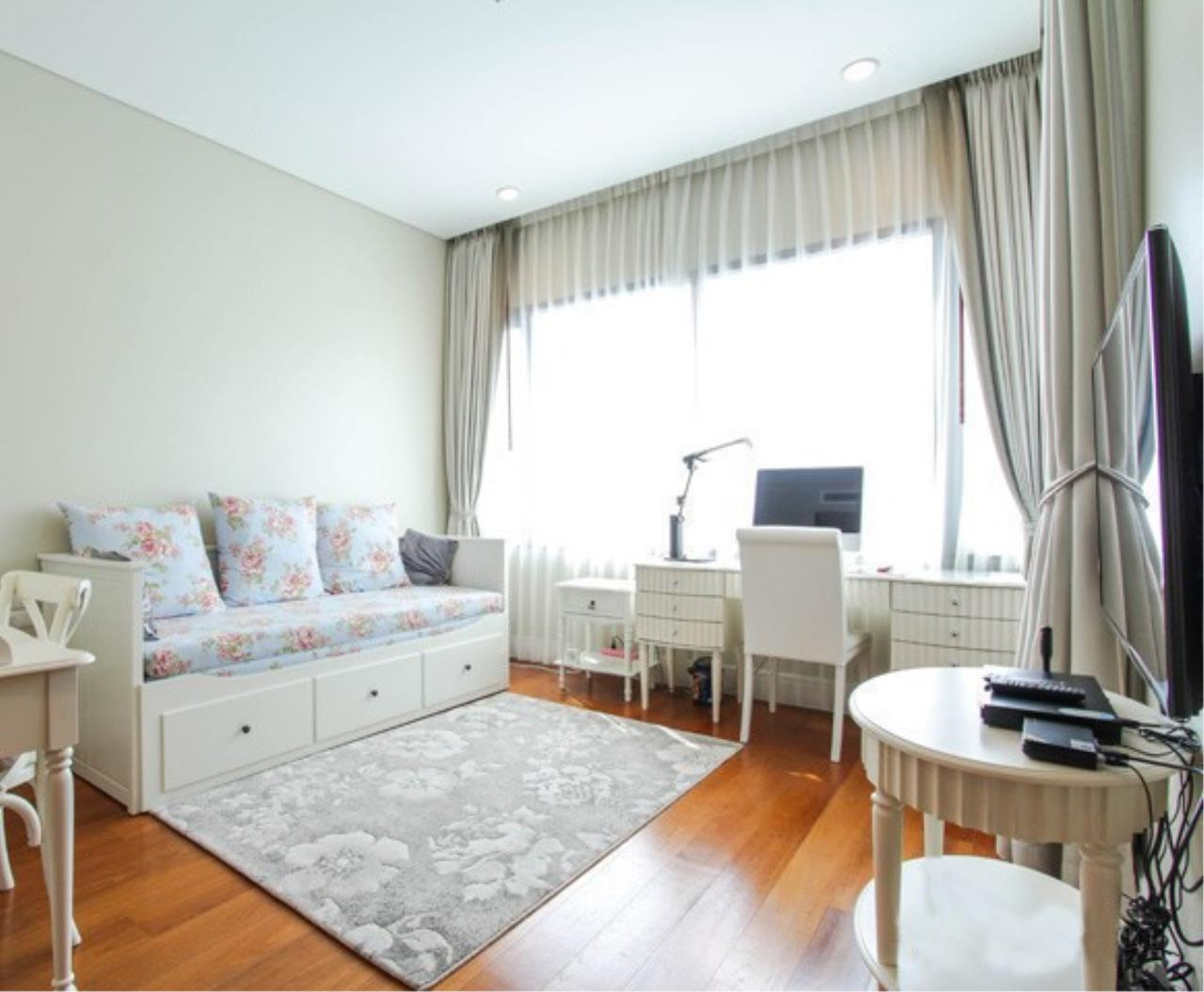 RE/MAX All Star Realty Agency's Bright 24 for sale/rent (BTS Phrom Phong) 3