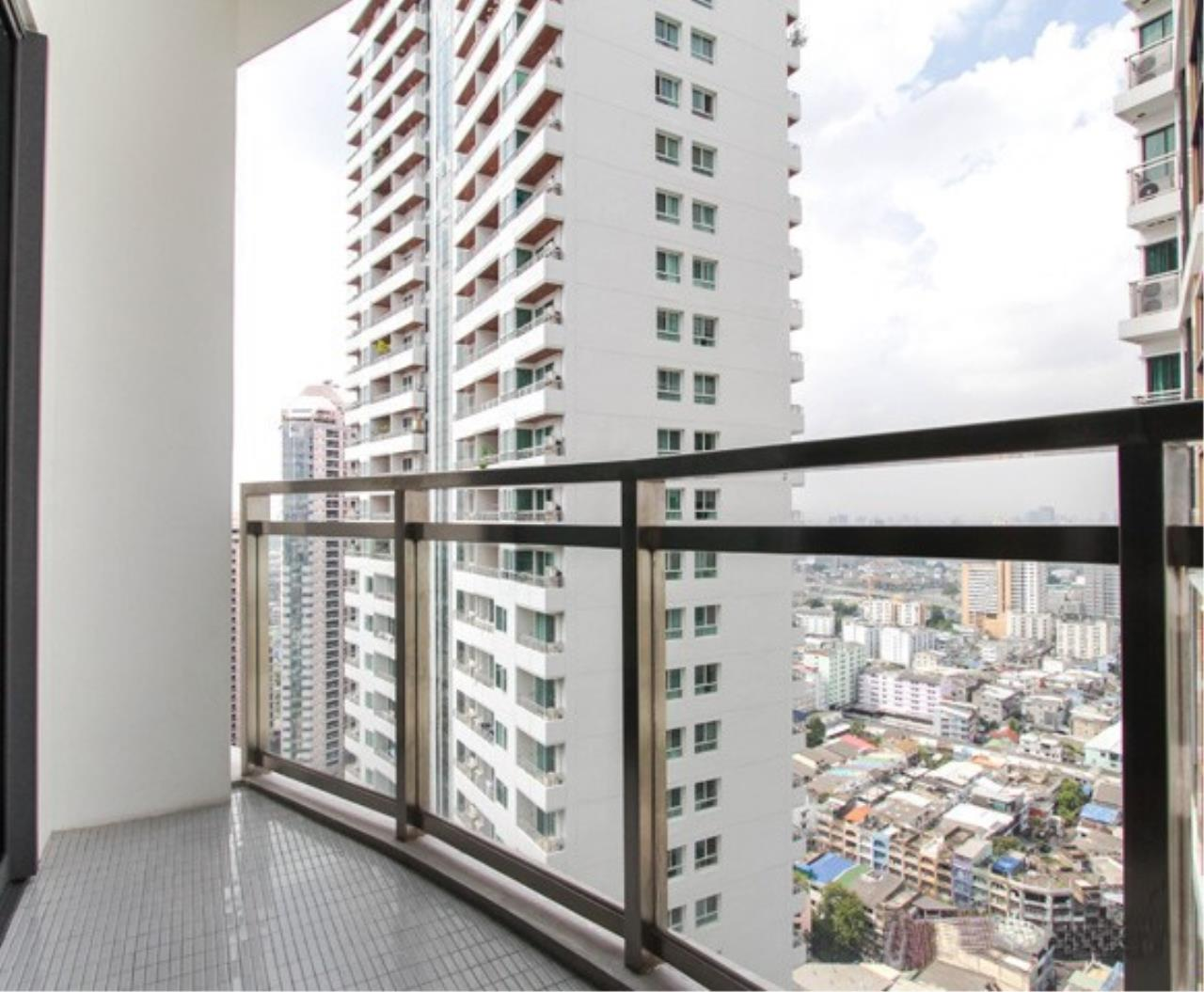 RE/MAX All Star Realty Agency's Bright 24 for sale/rent (BTS Phrom Phong) 4