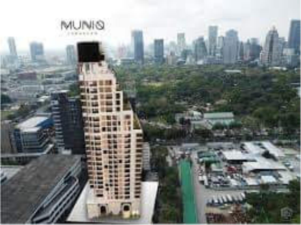 RE/MAX All Star Realty Agency's Muniq Langsuan for sale 2