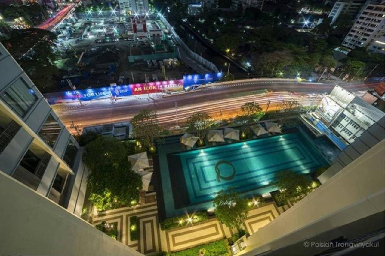 RE/MAX All Star Realty Agency's Q Asoke for Sale/Rent – 50m to MRT Petchaburi 8