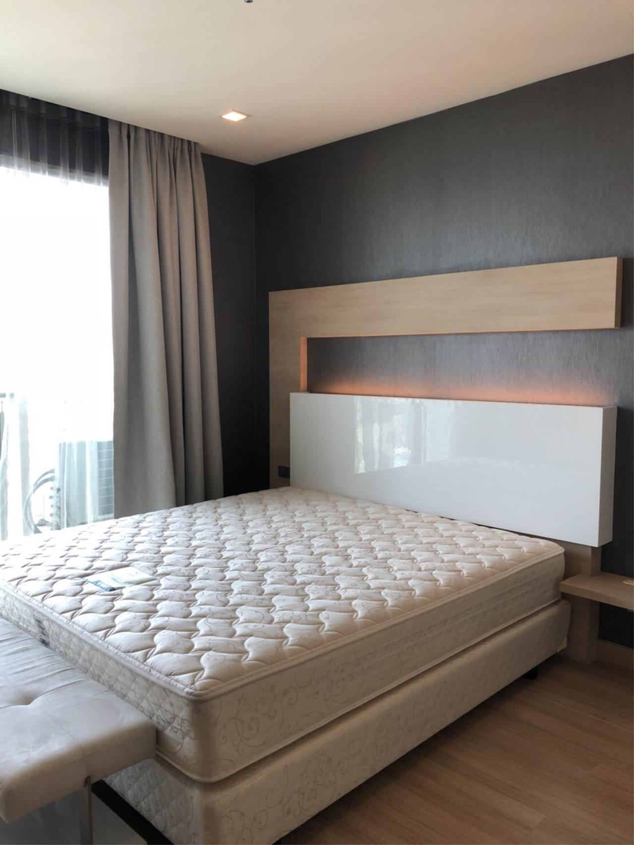 RE/MAX All Star Realty Agency's Skywalk beautiful one-bed for rent (BTS Phra Khanong) 1