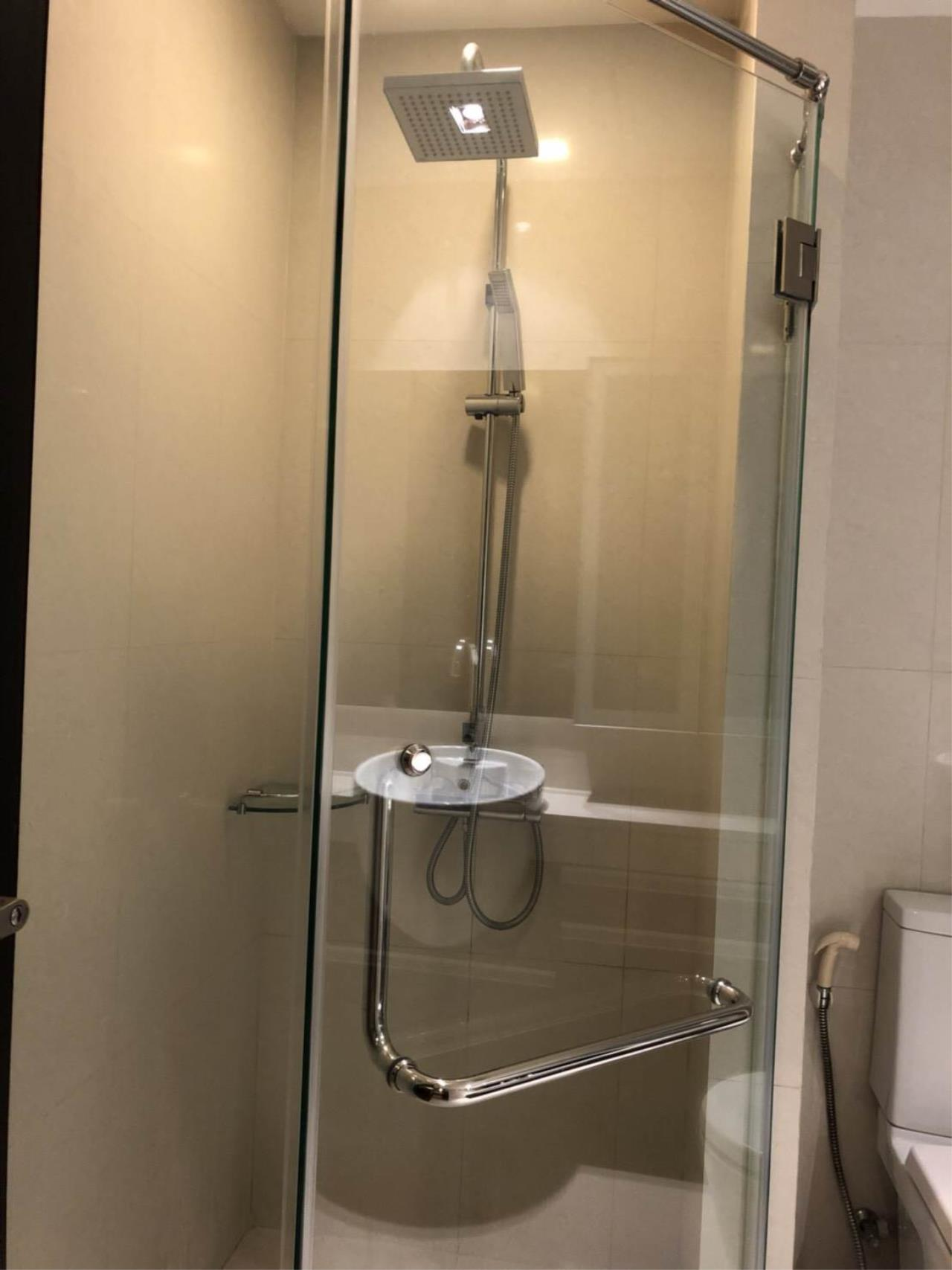 RE/MAX All Star Realty Agency's Skywalk beautiful one-bed for rent (BTS Phra Khanong) 7