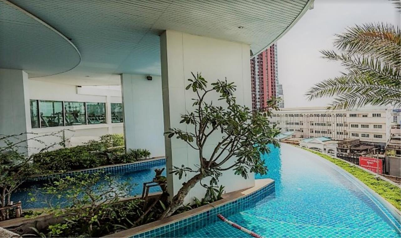 RE/MAX All Star Realty Agency's Skywalk beautiful one-bed for rent (BTS Phra Khanong) 9