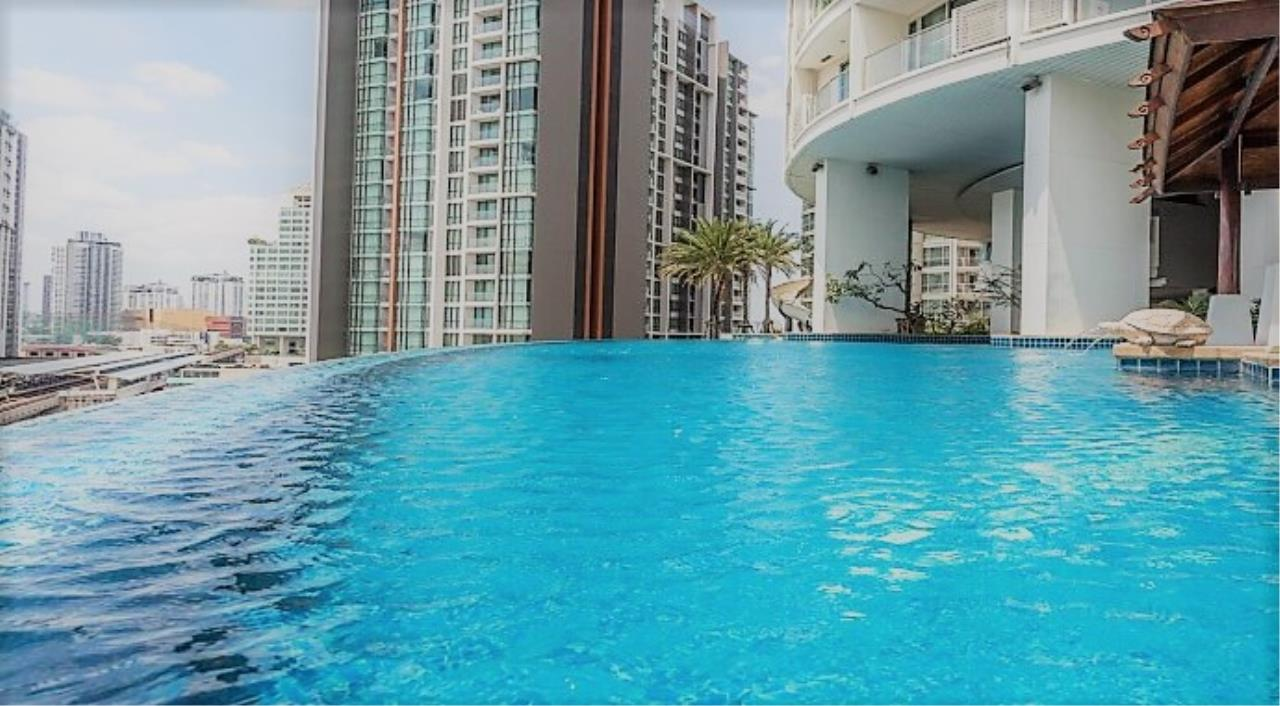 RE/MAX All Star Realty Agency's Skywalk beautiful one-bed for rent (BTS Phra Khanong) 11
