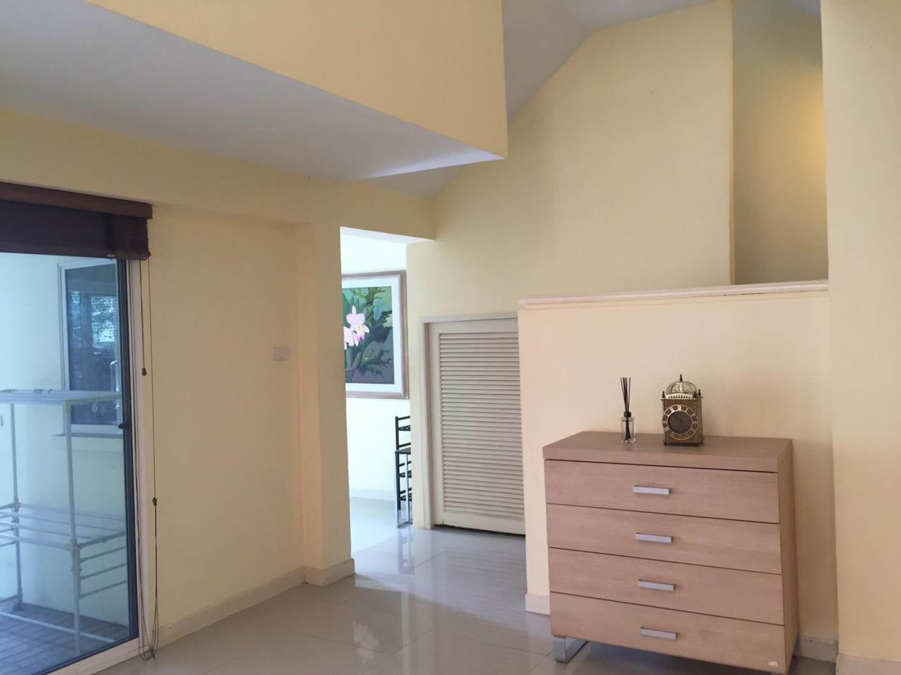 RE/MAX All Star Realty Agency's Large four storey house for rent BTS Phrom Phong 11