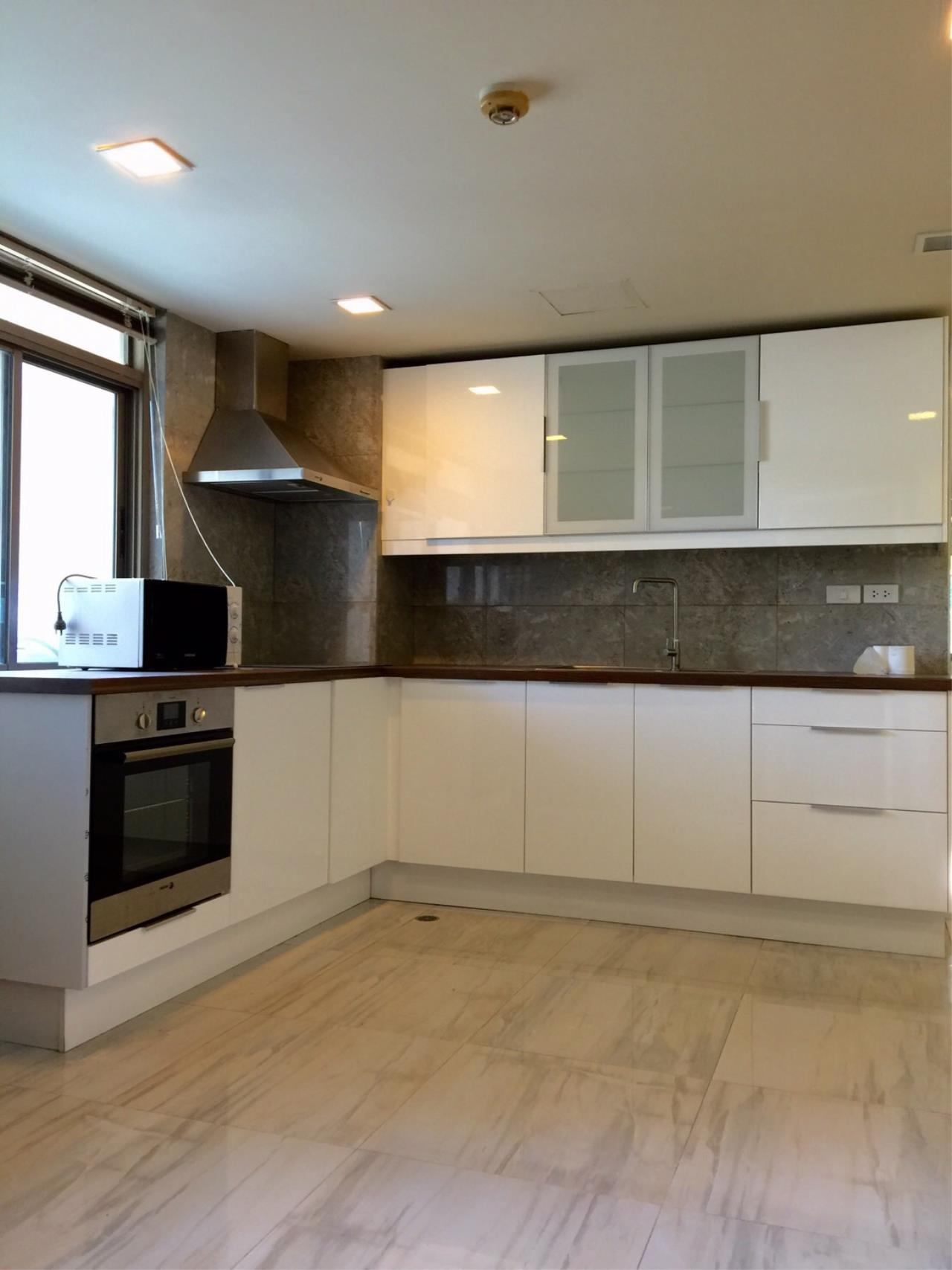 RE/MAX All Star Realty Agency's Royal Castle large 3-4 beds 202sqm for rent (BTS Phrom Phong) 6