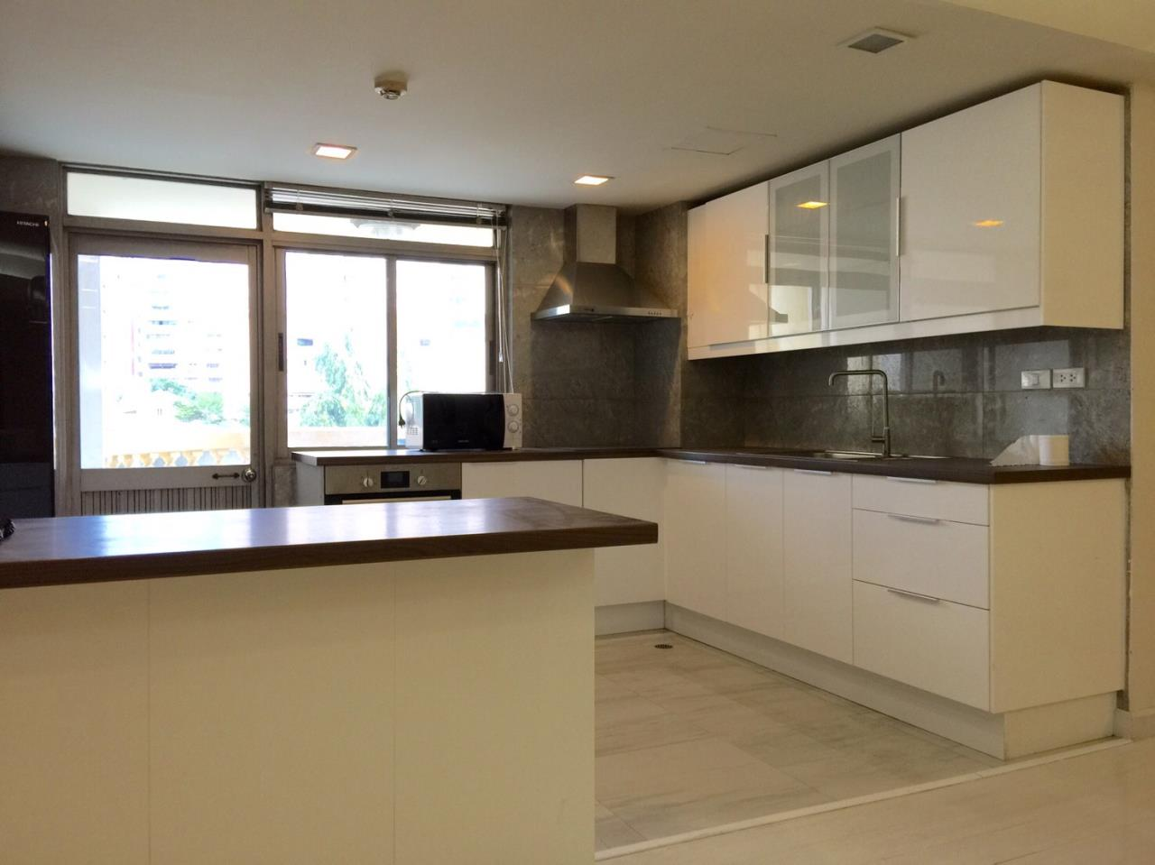 RE/MAX All Star Realty Agency's Royal Castle large 3-4 beds 202sqm for rent (BTS Phrom Phong) 7