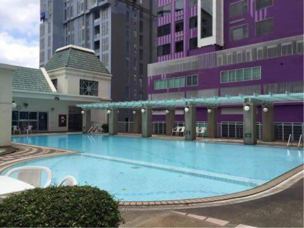 RE/MAX All Star Realty Agency's Sathorn House Condo for rent (BTS Sarasak) 15