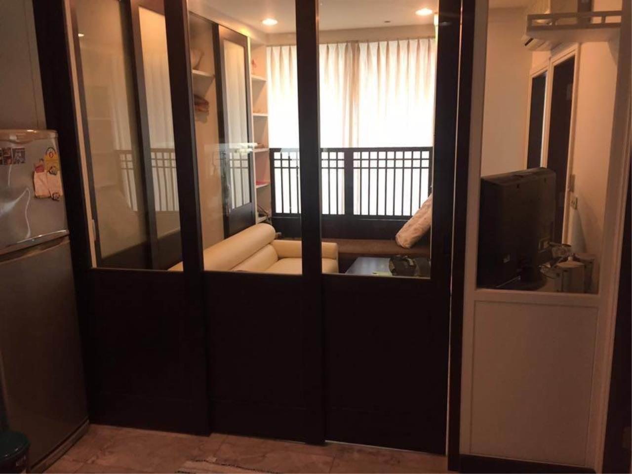 RE/MAX All Star Realty Agency's Sathorn House Condo for rent (BTS Sarasak) 3