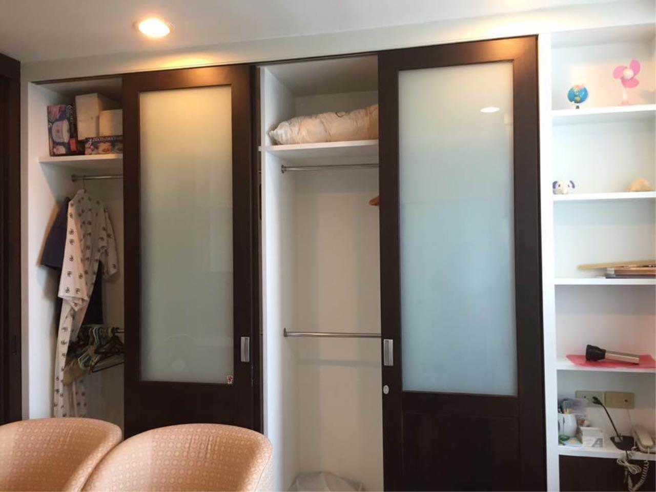 RE/MAX All Star Realty Agency's Sathorn House Condo for rent (BTS Sarasak) 9