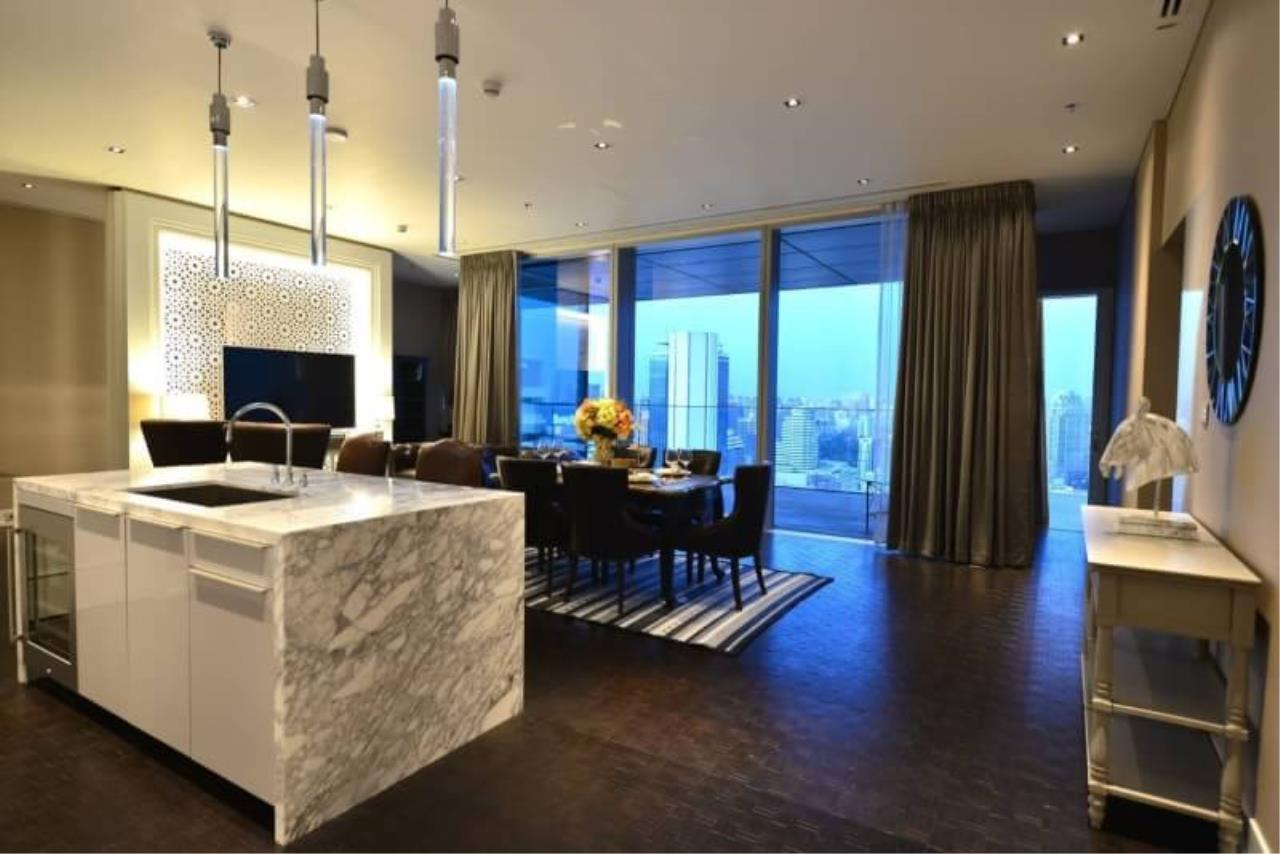 RE/MAX All Star Realty Agency's The Ritz Carlton luxury condo for rent 1