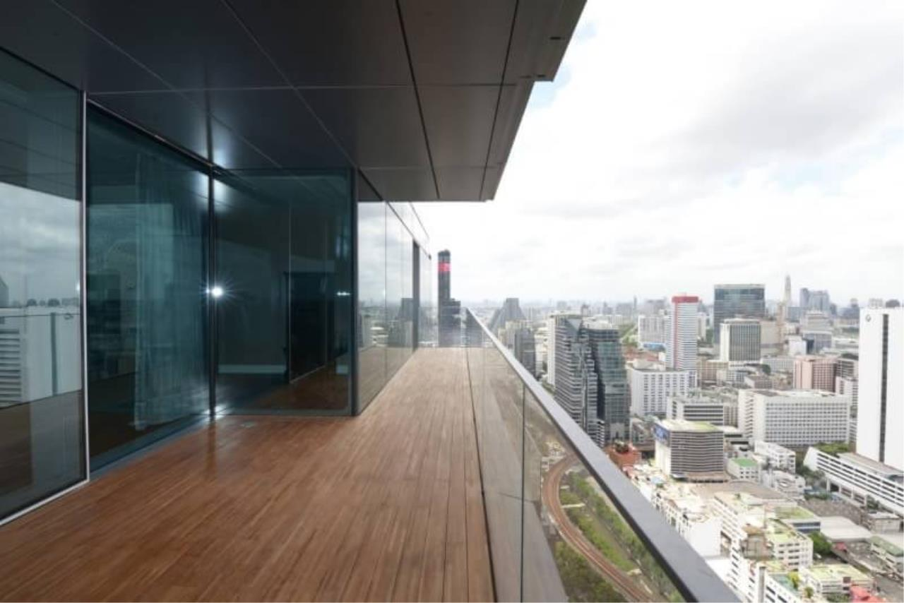 RE/MAX All Star Realty Agency's The Ritz Carlton luxury condo for rent 11