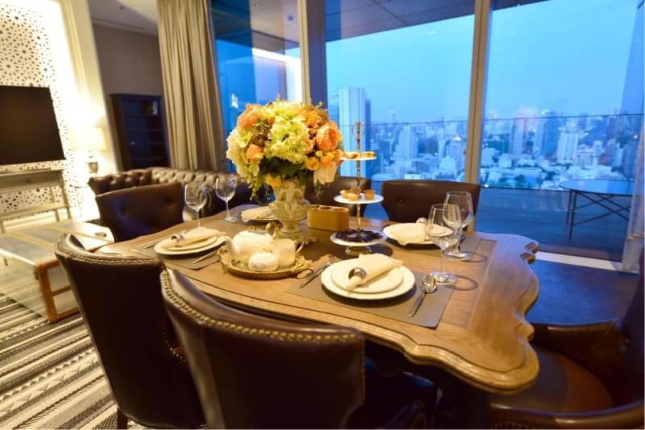 RE/MAX All Star Realty Agency's The Ritz Carlton luxury condo for rent 3