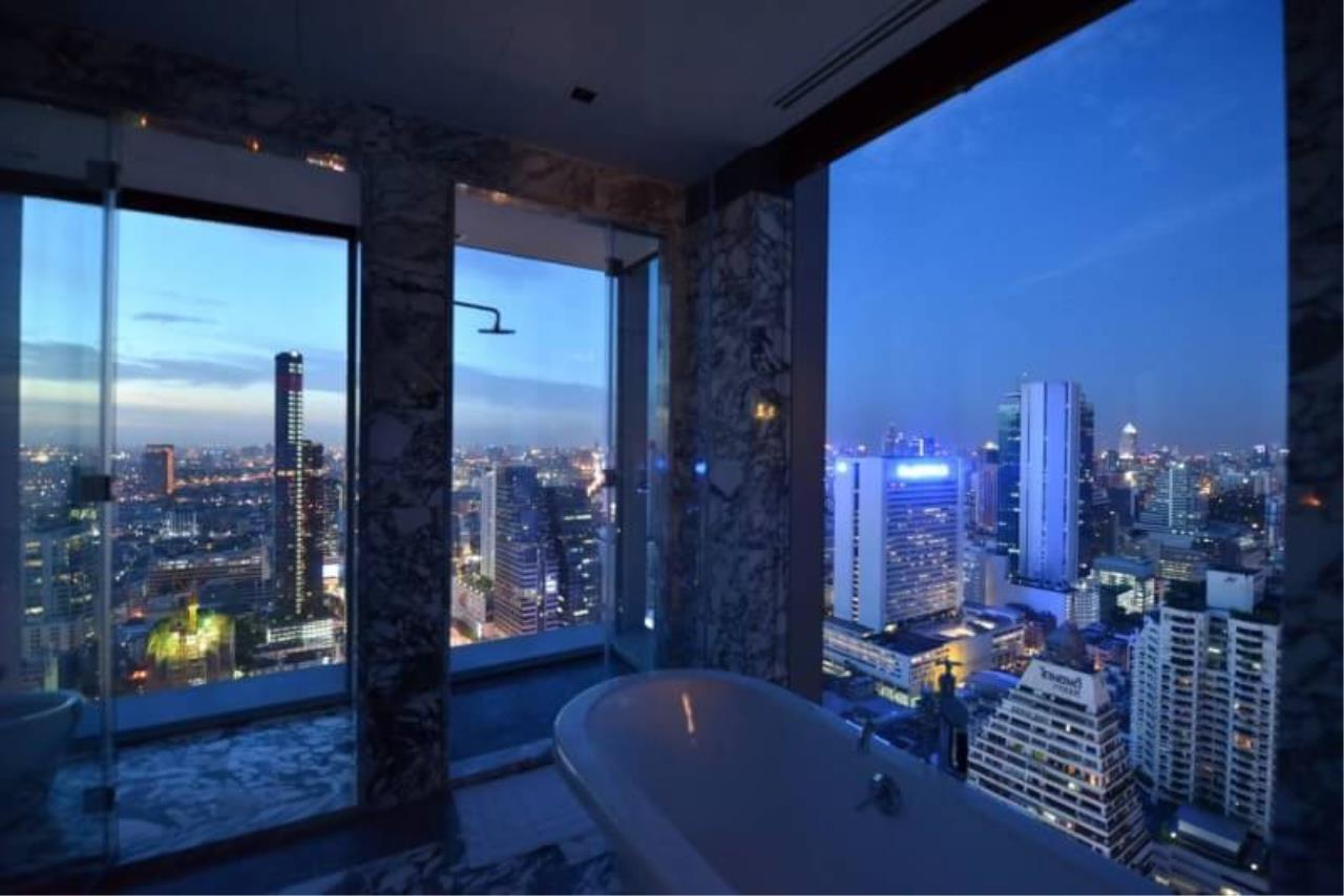 RE/MAX All Star Realty Agency's The Ritz Carlton luxury condo for rent 7