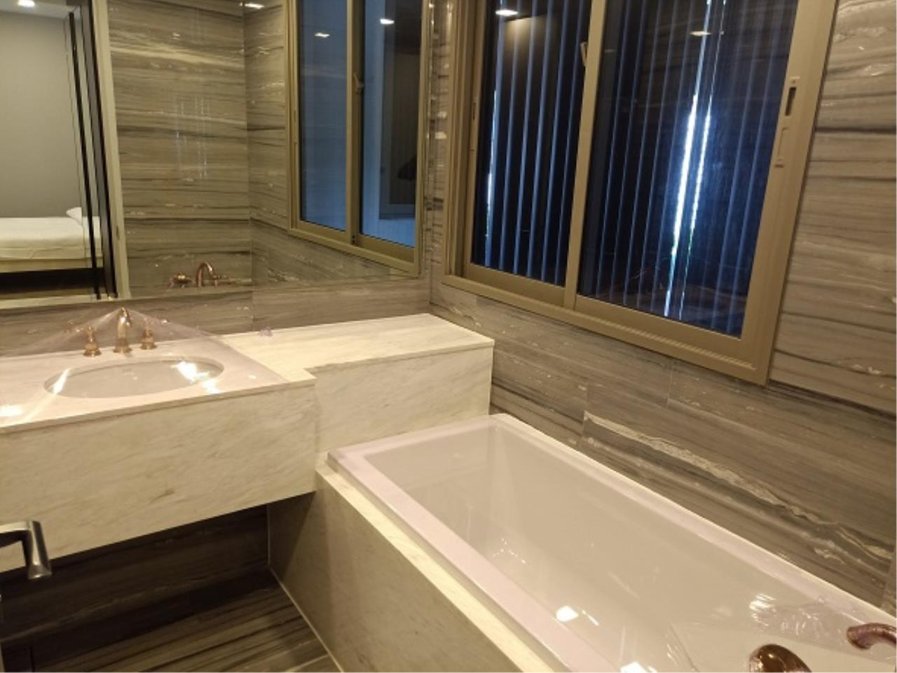 RE/MAX All Star Realty Agency's Ashton Residence 41 High Luxury Condo for sale/rent (BTS Phrom Pong) 4
