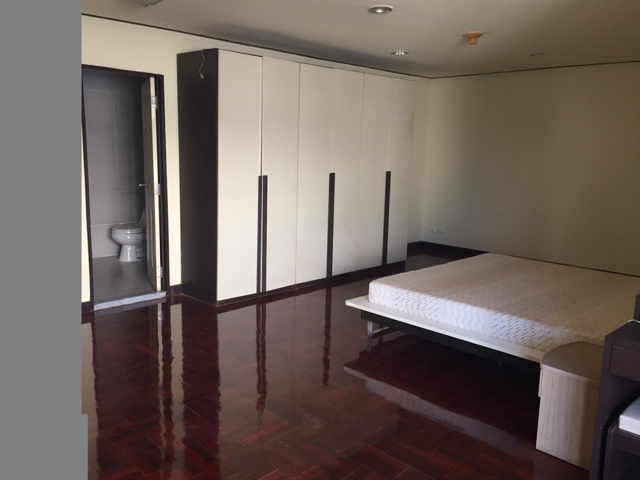 Piri Property Agency's 4 bedrooms Condominiumon 23 floor For Rent 5