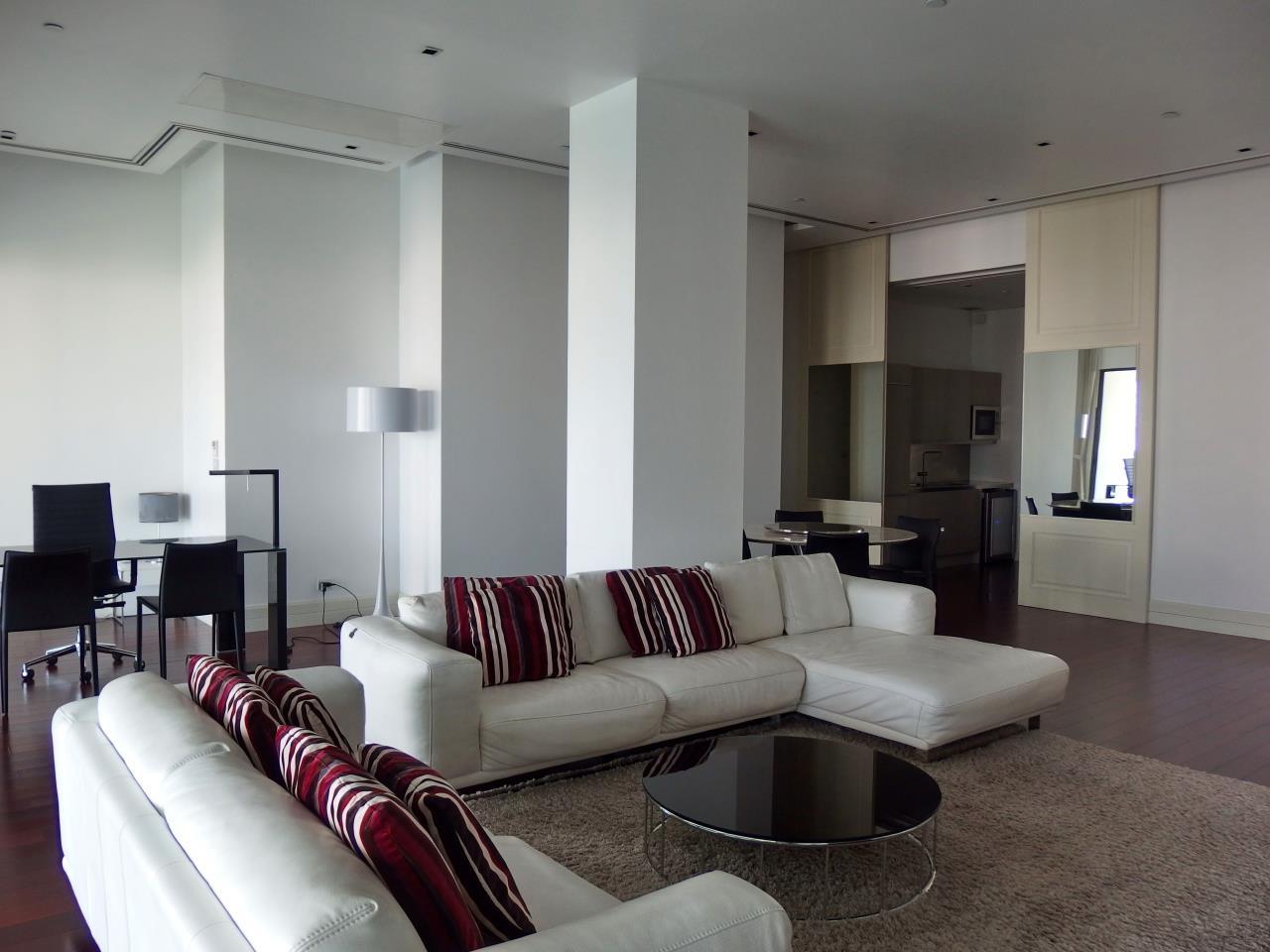 Piri Property Agency's 2 bedrooms Condominiumon 11 floor For Rent 1