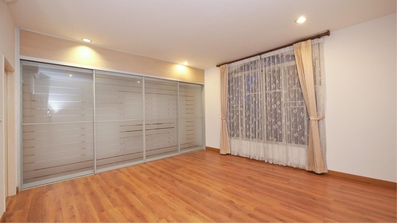 Piri Property Agency's 3 bedrooms Townhouseon 3 storeys floor For Rent 9