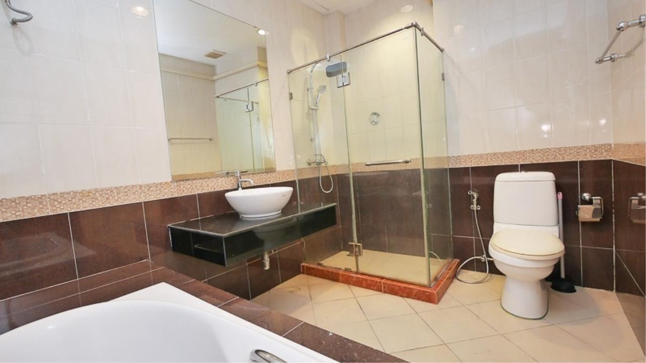 Piri Property Agency's 3 bedrooms Townhouseon 3 storeys floor For Rent 10