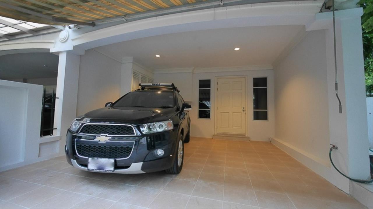 Piri Property Agency's 3 bedrooms Townhouseon 3 storeys floor For Rent 1
