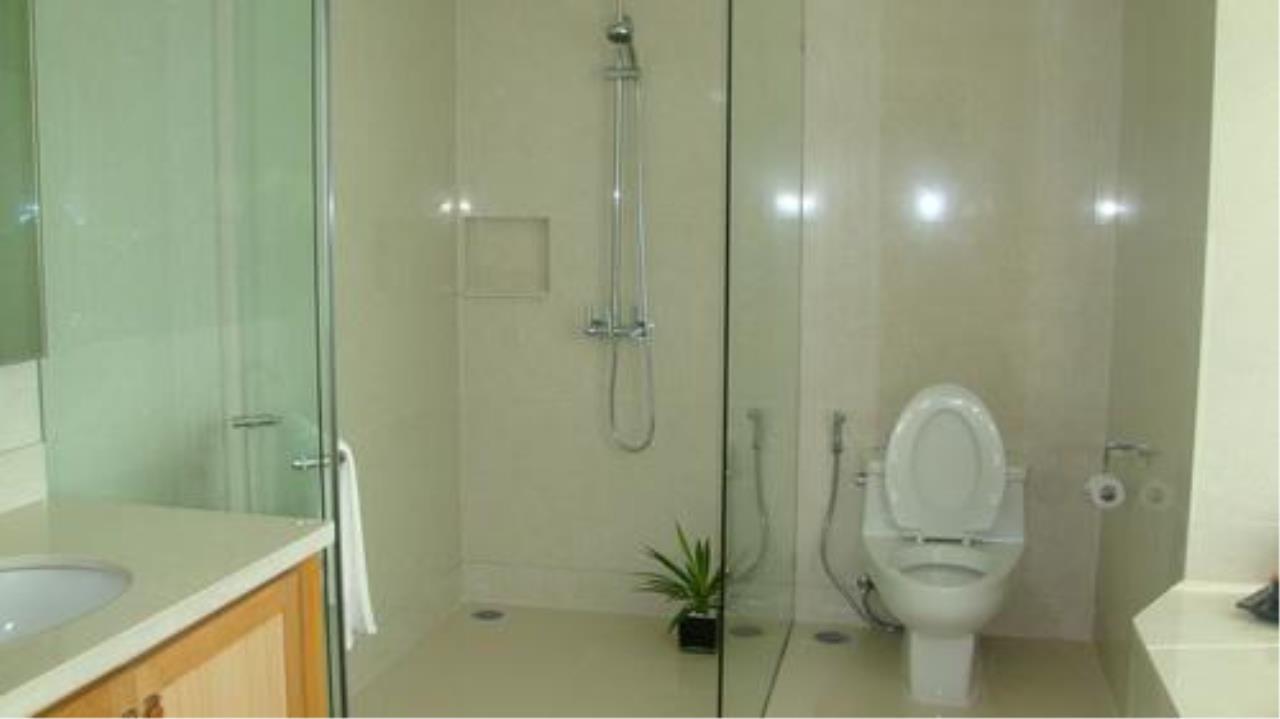 Piri Property Agency's 3 bedrooms Condominium  on 27 floor For Rent 3 8