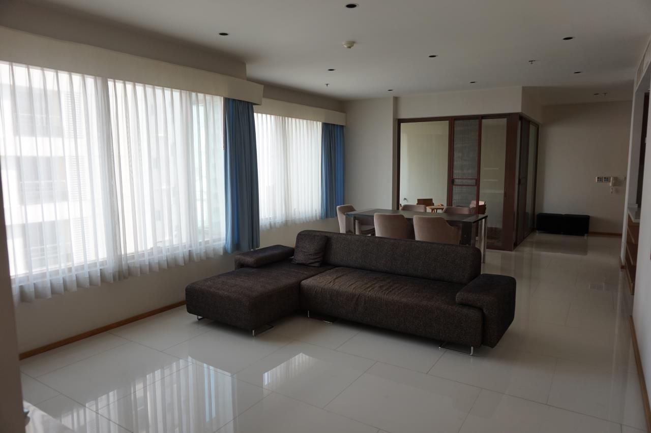 Piri Property Agency's 3 bedrooms Condominiumon 29 floor For Rent 3