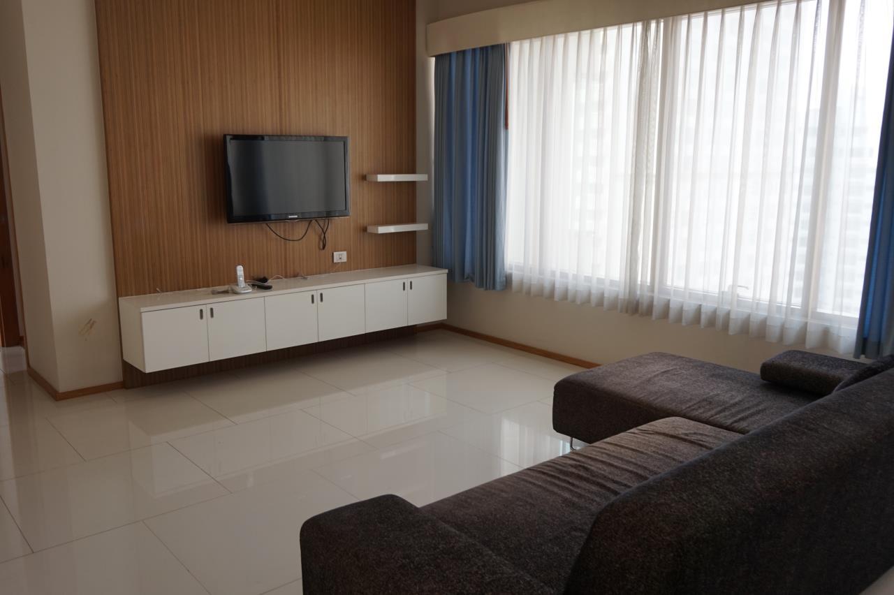 Piri Property Agency's 3 bedrooms Condominiumon 29 floor For Rent 2
