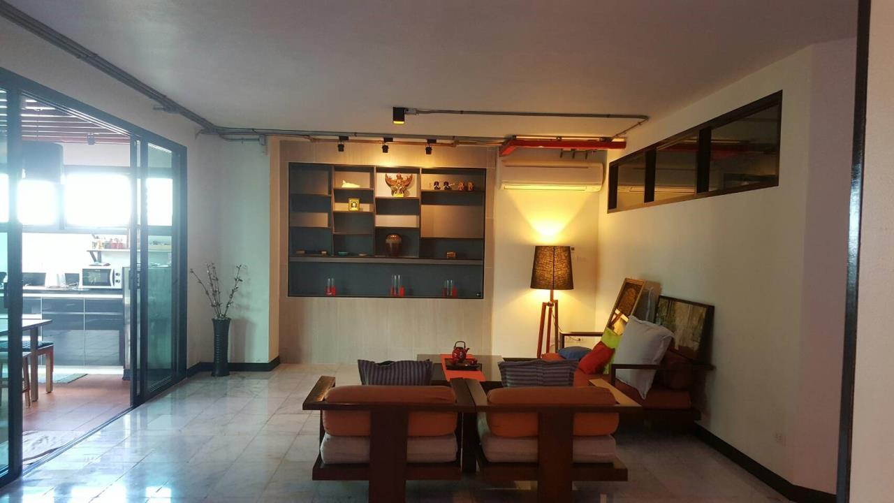 Piri Property Agency's 3+2 bedrooms Condominiumon 30 floor For Sale 1