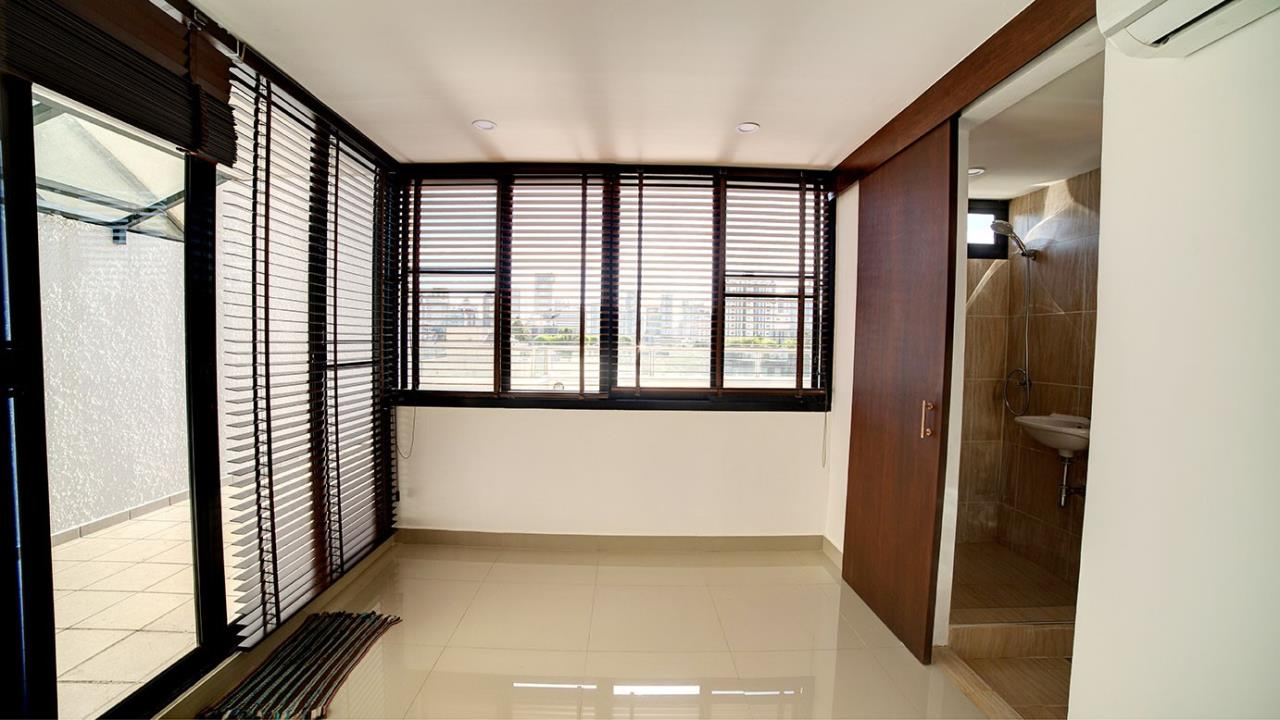 Piri Property Agency's 3 bedrooms Condominiumon 9 floor For Rent 5