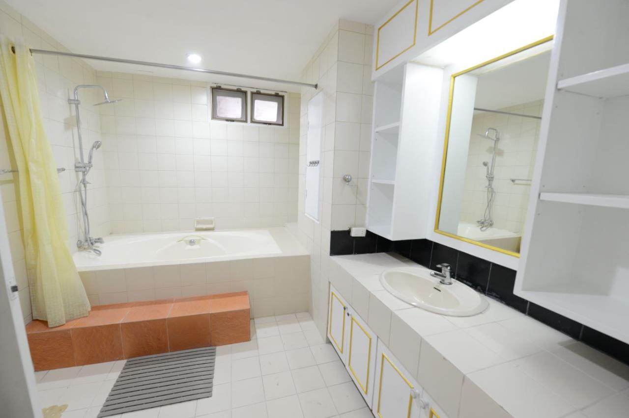 Piri Property Agency's 3 bedrooms Condominiumon 23 floor For Rent 15