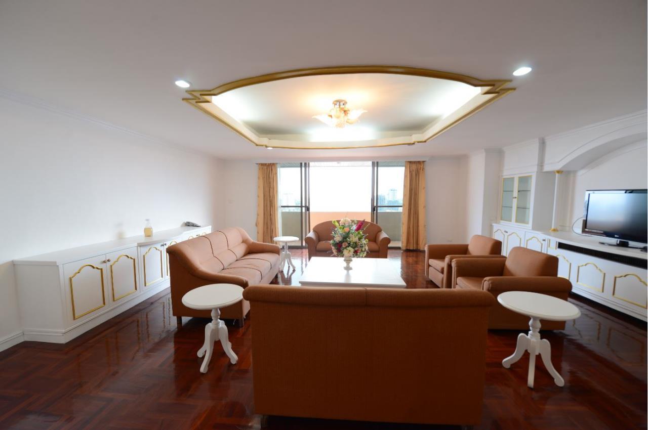 Piri Property Agency's 3 bedrooms Condominiumon 23 floor For Rent 1