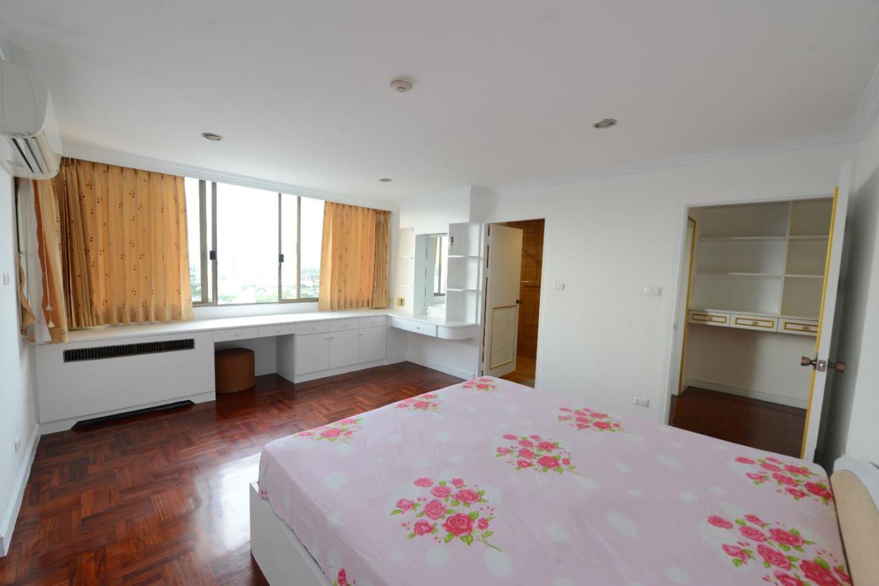 Piri Property Agency's 3 bedrooms Condominiumon 23 floor For Rent 17