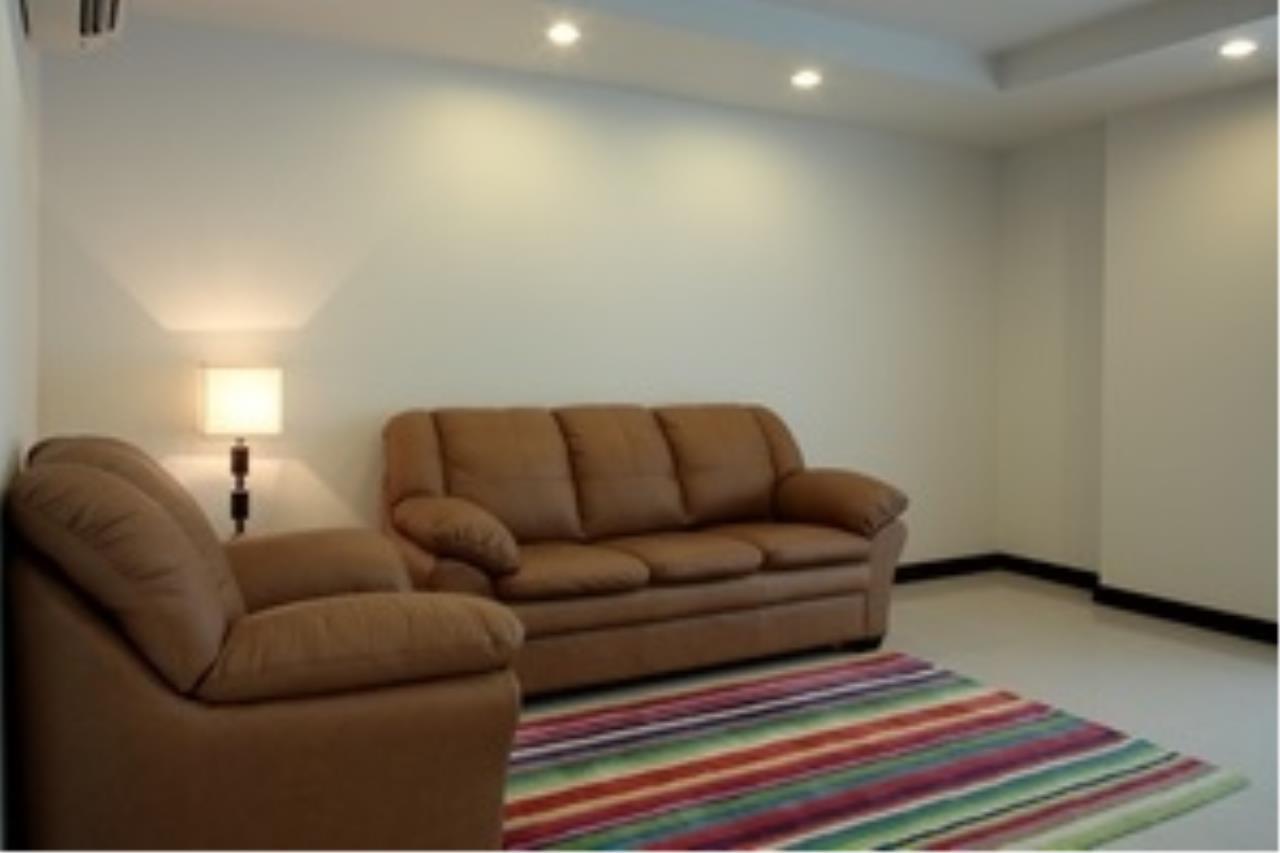 Piri Property Agency's 3 bedrooms Condominiumon 8 floor For Rent 3