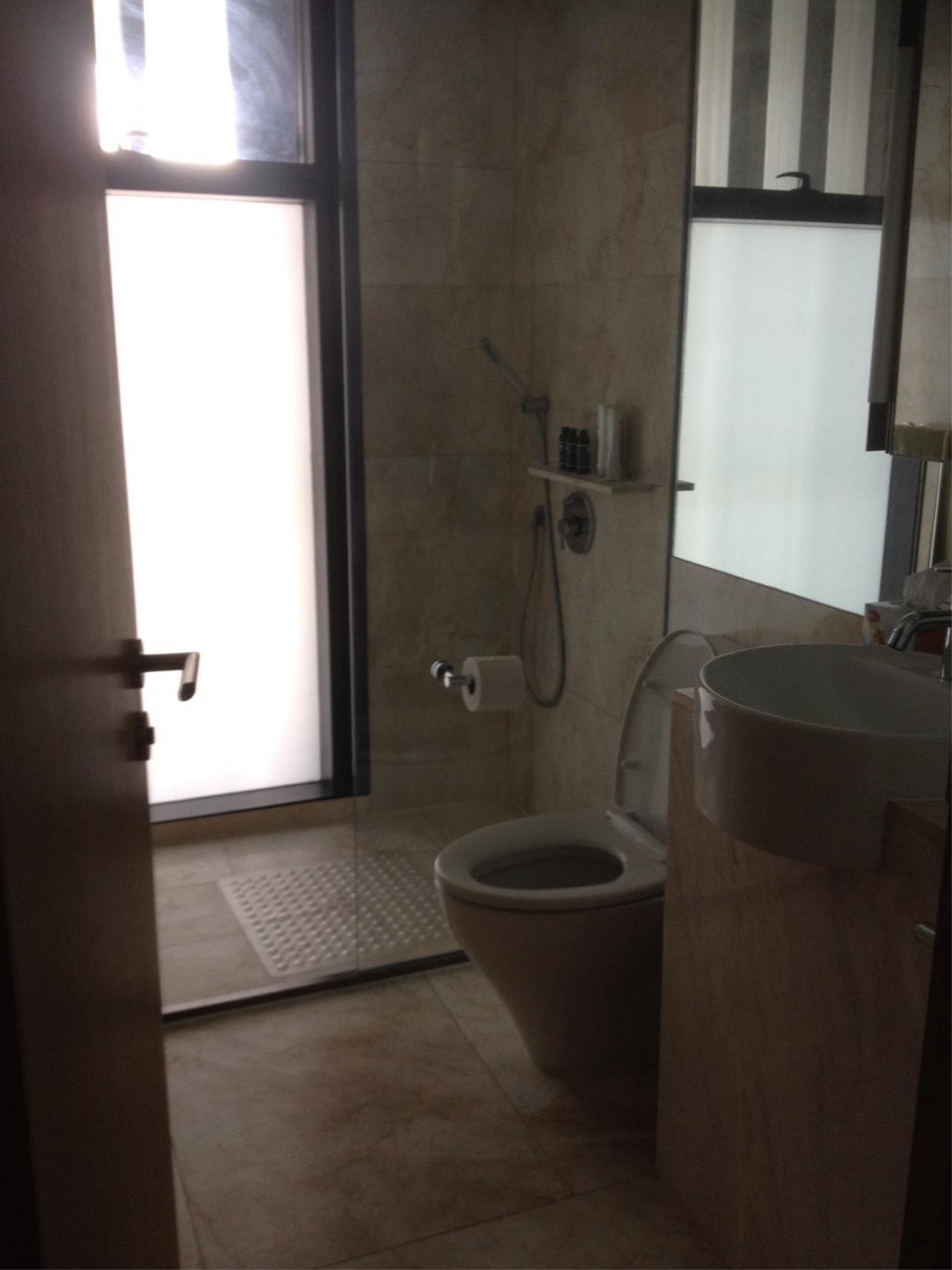 Piri Property Agency's 3 bedrooms Condominiumon 51 floor For Rent 5